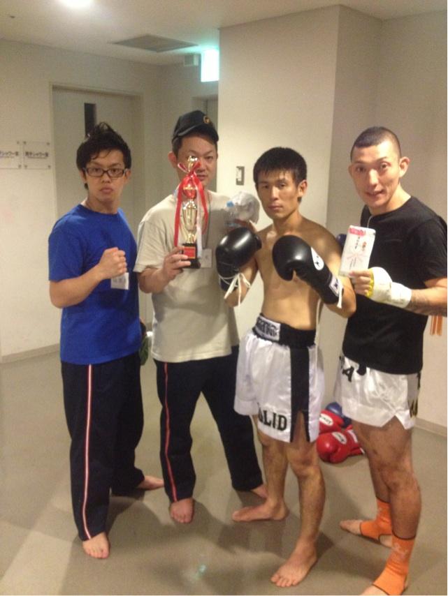 大谷吉史選手、見事TKO勝利…